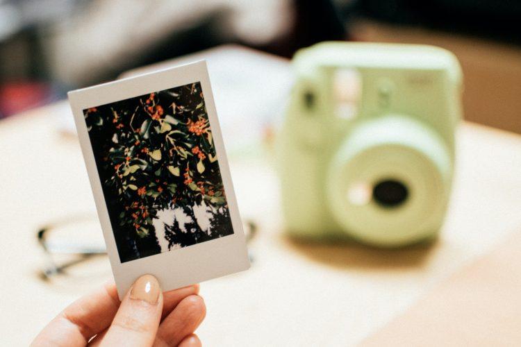 instax, czyli za co kochamy miniaturowe zdjęcia